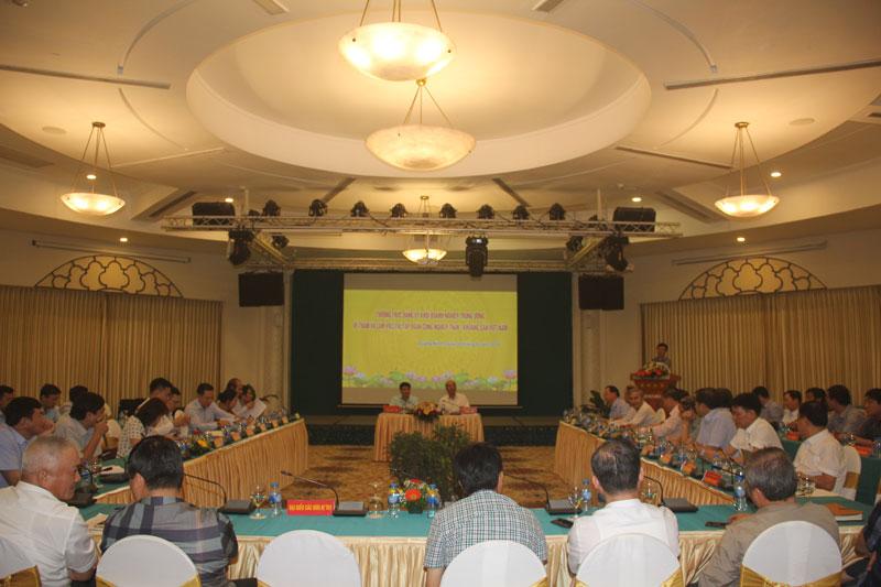Tập trung lãnh đạo thực hiện hoàn thành nhiệm vụ chính trị và Đại hội Đảng các cấp nhiệm kỳ 2020 - 2025