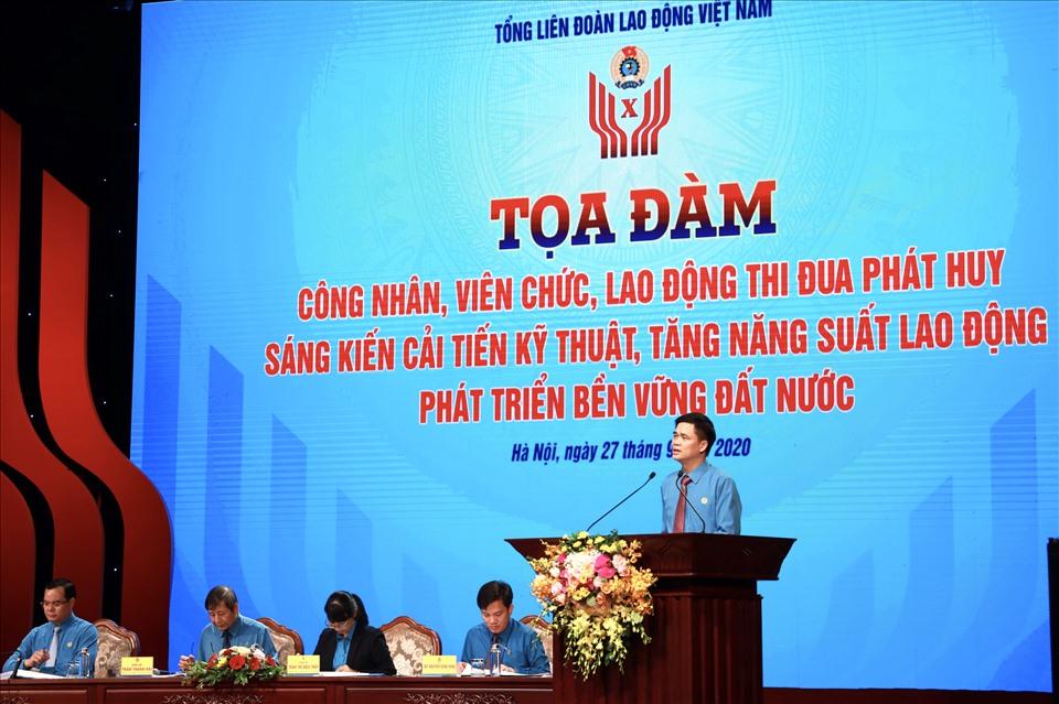 Đồng chí Ngọ Duy Hiểu - Phó Chủ tịch Tổng LĐLĐ Việt Nam phát biểu đề dẫn.