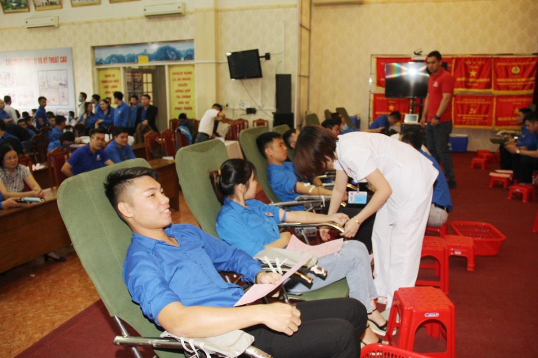 Hiến máu tình nguyện - nghĩa cử cao đẹp của tuổi trẻ TKV