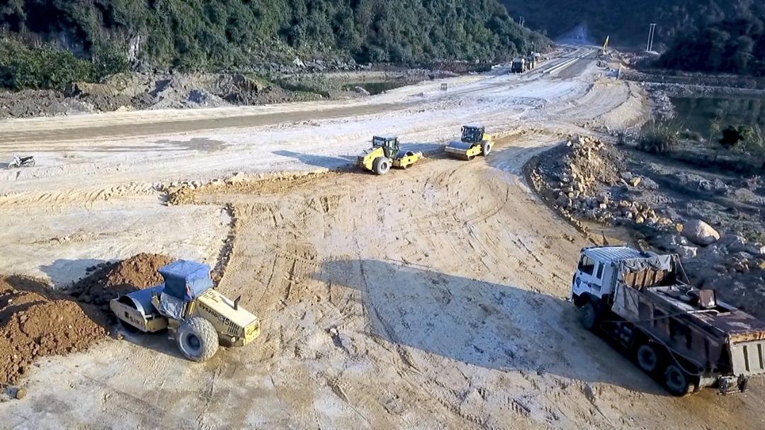Dự kiến sẽ có 0,7 triệu m3 đất thải mỏ của mỏ than Núi Béo phục vụ cho Dự án đường bao biển Hạ Long - Cẩm Phả, giai đoạn 1.