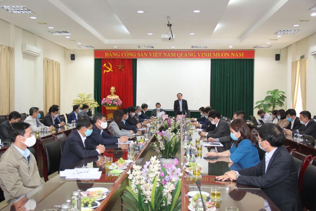 Bí thư Tỉnh ủy Nguyễn Xuân Ký khẳng định, tỉnh sẽ luôn đồng hành, phối hợp cùng ngành Than, tạo mọi điều kiện tốt nhất để ngành Than ổn định, phát triển SXKD