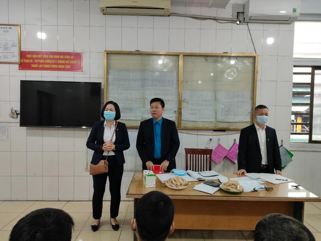 Ban lãnh đạo Công ty chúc Tết tại Phân xưởng Khai thác 7