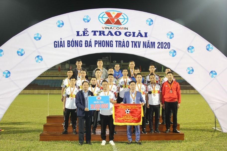 Đội bóng đá nam Than Thống Nhất đạt giải Ba giải bóng đá phong trào TKV năm 2020.